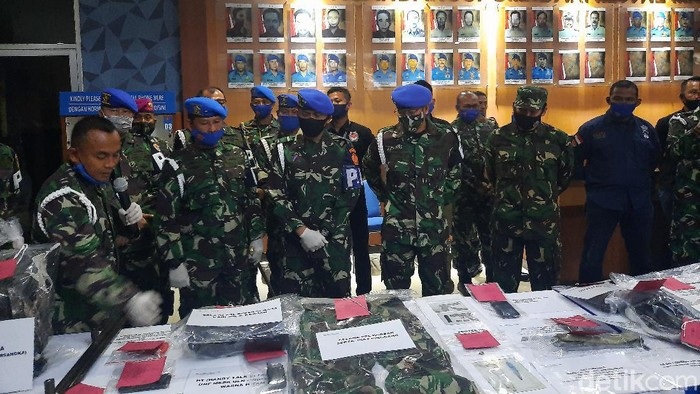 Komandan Pusat Polisi Militer (Danpuspom) Mayjen TNI Eddy Rate Muis mengumumkan hasil investigasi (Yogi Ernes/detikcom)