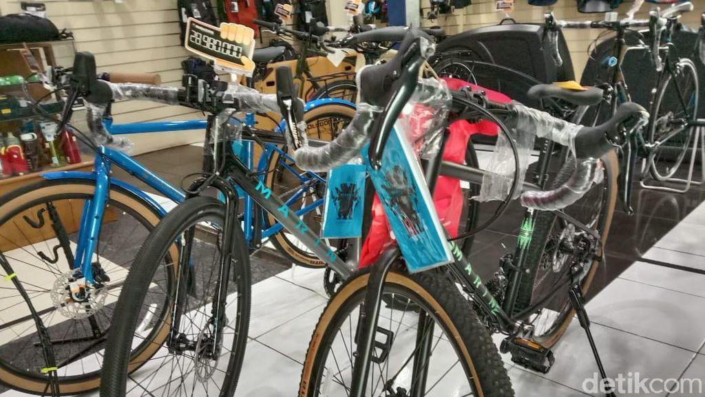 Lagi Ngetren Sepedaan, Omzet Jualan Aksesorisnya Meroket 300%