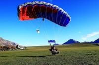 Traveler yang hobi menguji nyali sudah bisa lagi meloncat dari ketinggian angkasa lewat aktivitas Skydiving mulai bulan Juli. Uji coba tentang kelayakan wisata Skydiving pun sudah dilakukan. Hannah Peters/Getty Images