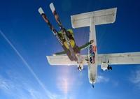 Dewan Kota Christchurch sudah memberikan izin percobaan selama 12 bulan kepada perusahaan Skydiving untuk beroperasi di kawasan pantai Sumner mulai pekan ketiga bulan Juli nanti. Global Action Sports via Getty Images