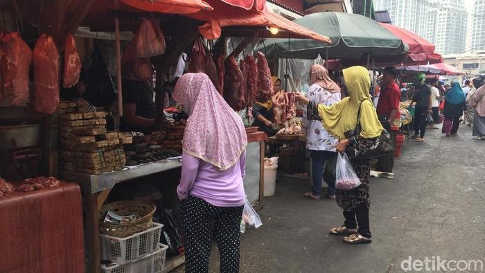 Suasana di Pasar Kebayoran Lama 2 Juli 2020