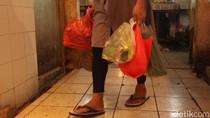 Pedagang Pasar Kebayoran Lama Masih Pakai Plastik Bakal Ditegur-Kios Disegel