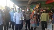 Risma Sidak Warga Tak Pakai Masker dan Tegur Kerumunan di Warkop