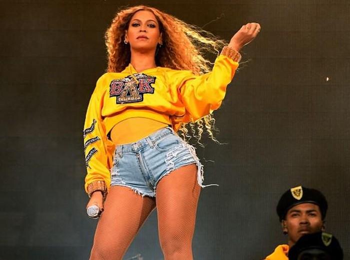 Beyonce Makan Ayam Goreng