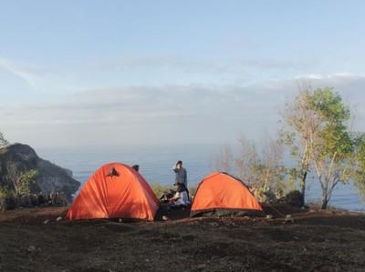 Bukit Kosakora Gunungkidul yang Asyik Buat Camping