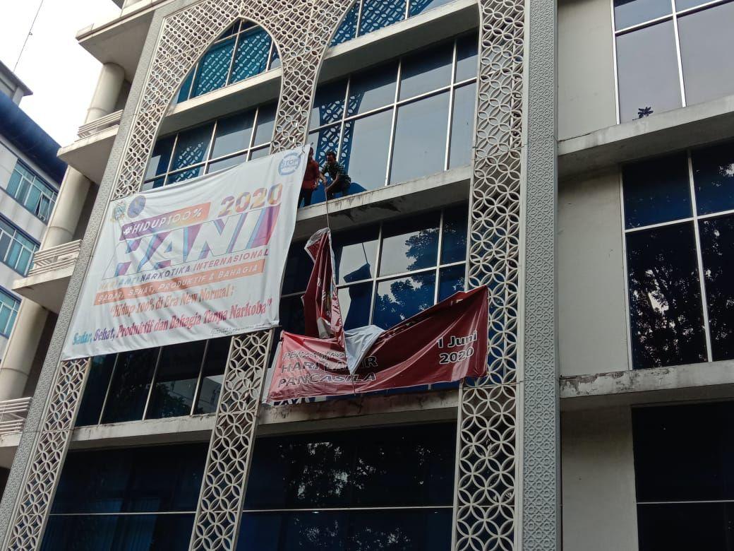 Demonstrasi tolak RUU HIP di DPRD Sumut (Ahmad Arfah-detikcom)