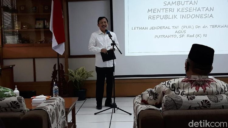 Ditanya Soal Reshuffle, Menkes Datangi Kampung Halaman Jokowi