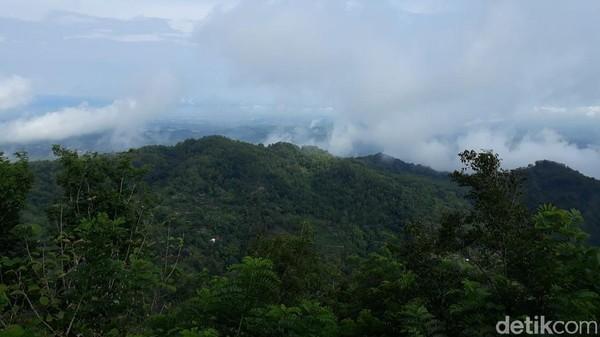 Dalam Peraturan Bupati Gunungkidul Nomor 33 Tahun 2018, Petilasan Gununggambar termasuk dalam Kawasan Strategis Pariwisata VI (KSP VI) berupa pembangunan Daya Tarik Wisata unggulan alam pegunungan dengan pendukung wisata budaya. (Kristina/detikcom)