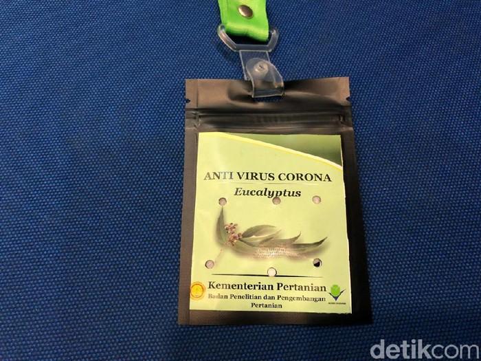 Kalung antivirus Corona (Vadhia Lidyana-detikcom)