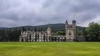 Kastil Tempat Liburan Ratu Inggris Kok Bau?