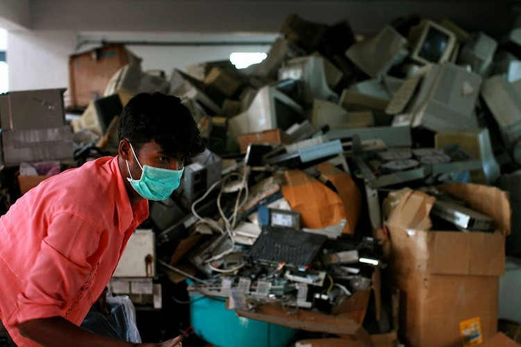 BANGALORE, INDIA - APRIL 13: (ISRAEL OUT) Old computers and electronic parts are for sale at a local market, April 13, 2008 in Bangalore, India. Indias growing digital economy has contributed to the amount of e-waste it generates. According to the Karnataka, a state pollution control board, more then 10 tones of electronic waste is produced in Bangalore alone every year and about 80 per cent of e-waste generated in the US is exported to India, China and Pakistan to be recycled. (Photo by Uriel Sinai/Getty Images)