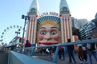 Sejak ditutup akibat adanya pandemi Corona, taman yang identik dengan senyum lebarnya ini akhirnya dibuka kembali pada 3 Juli 2020.