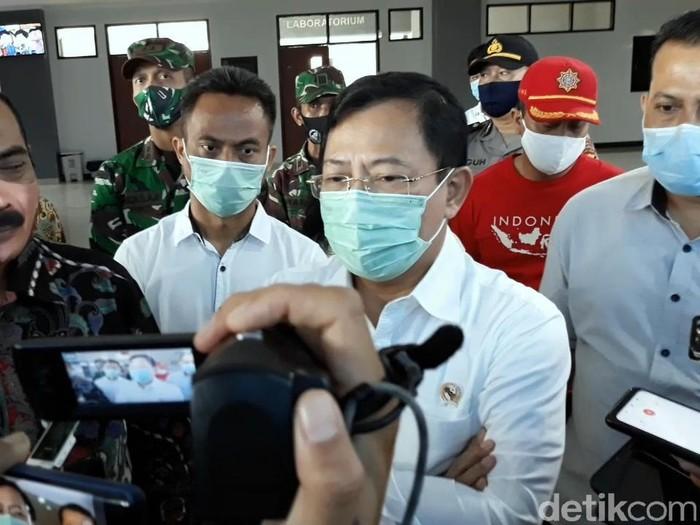 Menkes Terawan Agus Putranto mengunjungi Sukoharjo dan Solo, Jumat (3/7/2020).