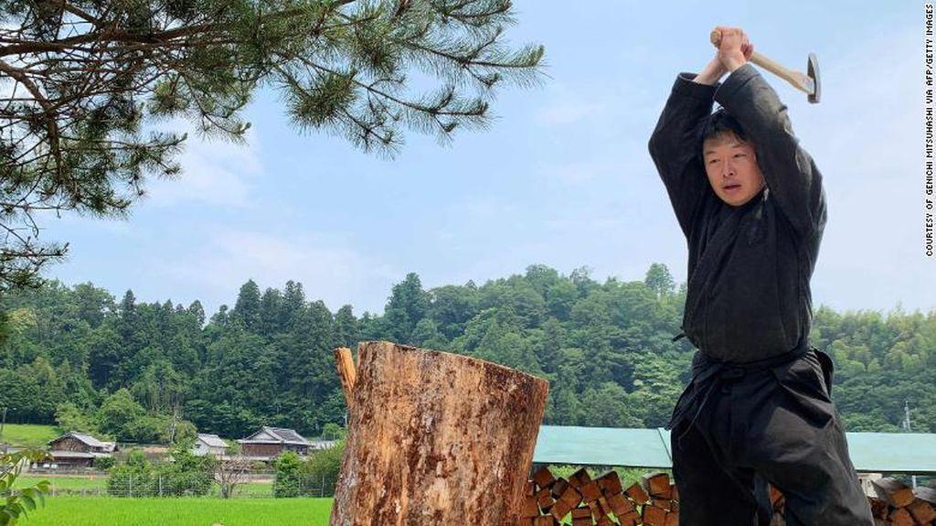 Dia, Satu-satunya Pria Bergelar Master dalam Studi Ninja