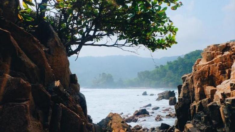 Pantai di Lampung.