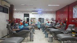 Kesulitan Pendonor, Stok Darah Plasma Konvalesen PMI Surabaya Menipis