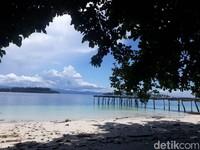 Pantainya sangat indah dan cantik. (Hari Suroto/Istimewa)
