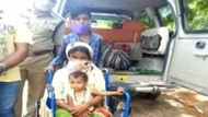 Kisah Bocah 10 Tahun Mudik Jalan Kaki 350 KM Sambil Dorong Kursi Roda Ibunya