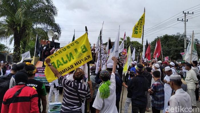 Tolak RUU HIP, Massa Aliansi Umat Beragama Demo di Depan DPRD Kaltim