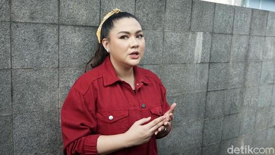 Vicky Shu Vakum Nyanyi Kini Jadi Juragan Toko Sembako