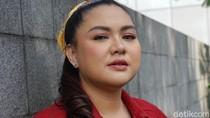 Pandemi Corona, Vicky Shu Tetap Ajak Anak Jalan-jalan ke Puncak