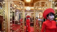 Tawarkan Pengalaman Ala Sultan, Interior Hotel Ini Dilapis Emas