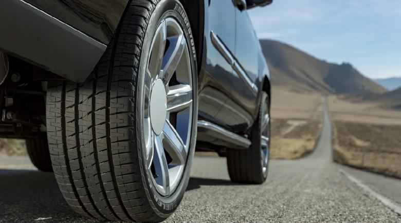 Ban mobil Bridgestone punya teknologi Tire Damage Monitoring System