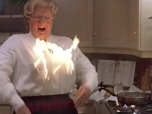 5 Adegan Makanan dalam Film yang Mengundang Tawa, Intip Yuk!