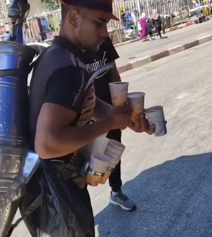Penjual Kopi Keliling