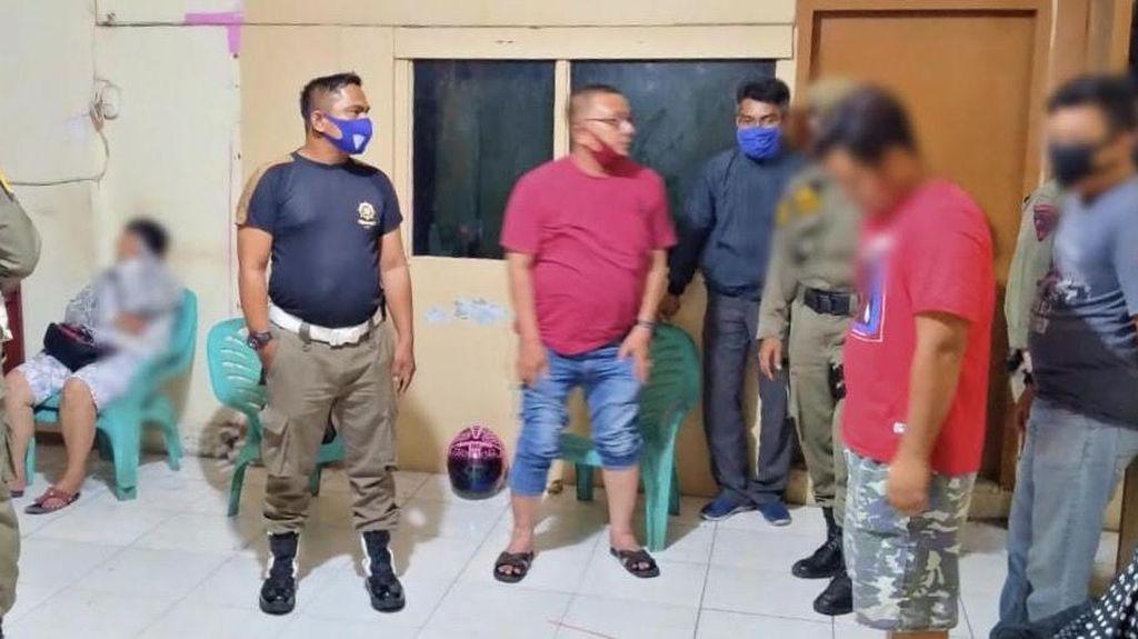 Sembunyi di Gudang, 4 Pasangan Mesum di Padang Diamankan Satpol PP