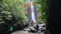 Di Desa Dukuhwaringin, Kecamatan Dawe, Kudus ternyata menyimpan pesona wisata alam yang mempesona. Namanya adalah air terjun Kedung Gender. (Dian Utoro Aji/detikcom)