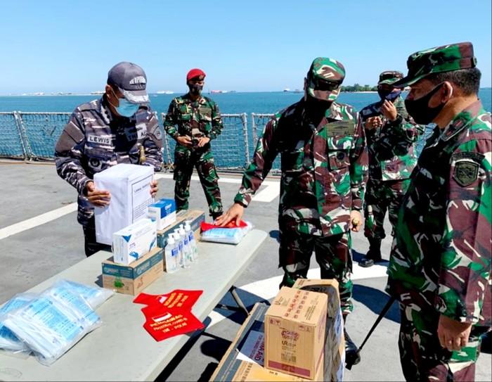 Alkes dari Mabes TNI diterima pihak Lantamal VI. (Dok Istimewa)