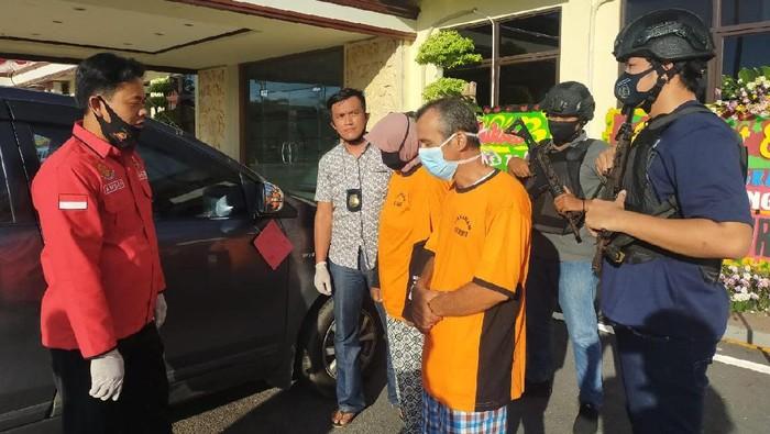 Gelapkan mobil rental, oknum PNS di Babel diringkus polisi. (Foto: Istimewa)
