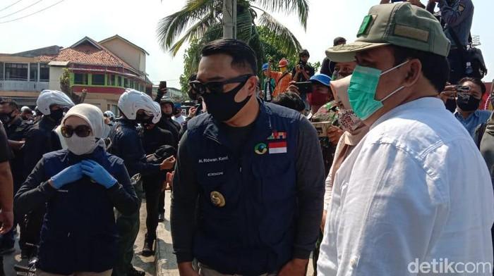 Gubernur Jabar Ridwan Kamil dan Bupati Pangandaran Jeje Wiradinata