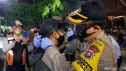 Banyuwangi Patroli Skala Besar, Warga Tak Bermasker Dihukum Hapalan Pancasila
