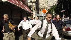 Pria Pembawa Map dalam Foto Viral Tragedi 9/11 Meninggal karena Corona