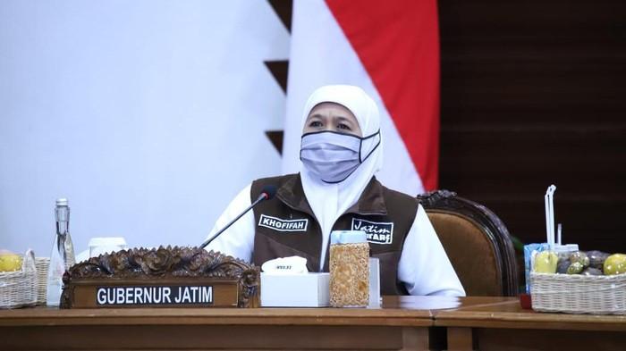 Kasus positif COVID-19 di Jawa Timur hampir 14 ribu atau tepatnya 13.997 kasus. Gubernur Khofifah Indar Parawansa melakukan berbagai upaya untuk memutus mata rantai penularan COVID-19.