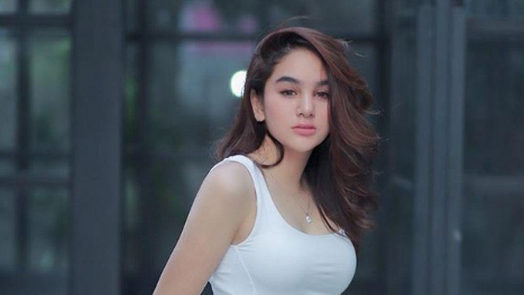 Hana Hanifah Proses Pulang ke Jakarta Usai Ditangkap Dugaan Prostitusi di Medan