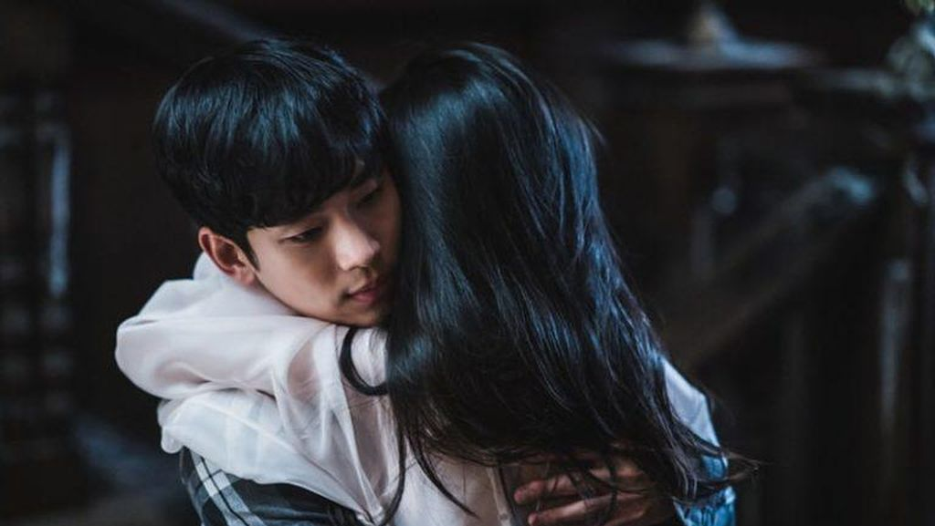Its Okay to Not Be Okay Episode 6: Kim Soo Hyun Nangis, Rating Naik