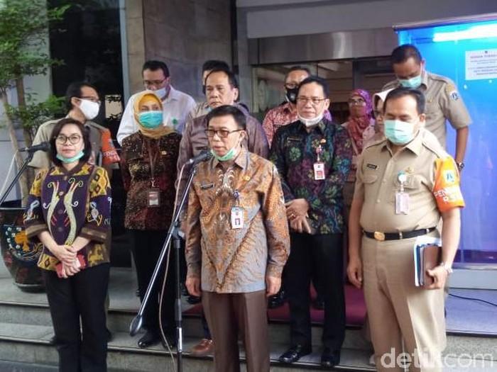 Jumpa pers pihak Kemdikbud dan Pemprov DKI di kantor Kemendagri. (Kadek M Luxiana/detikcom)