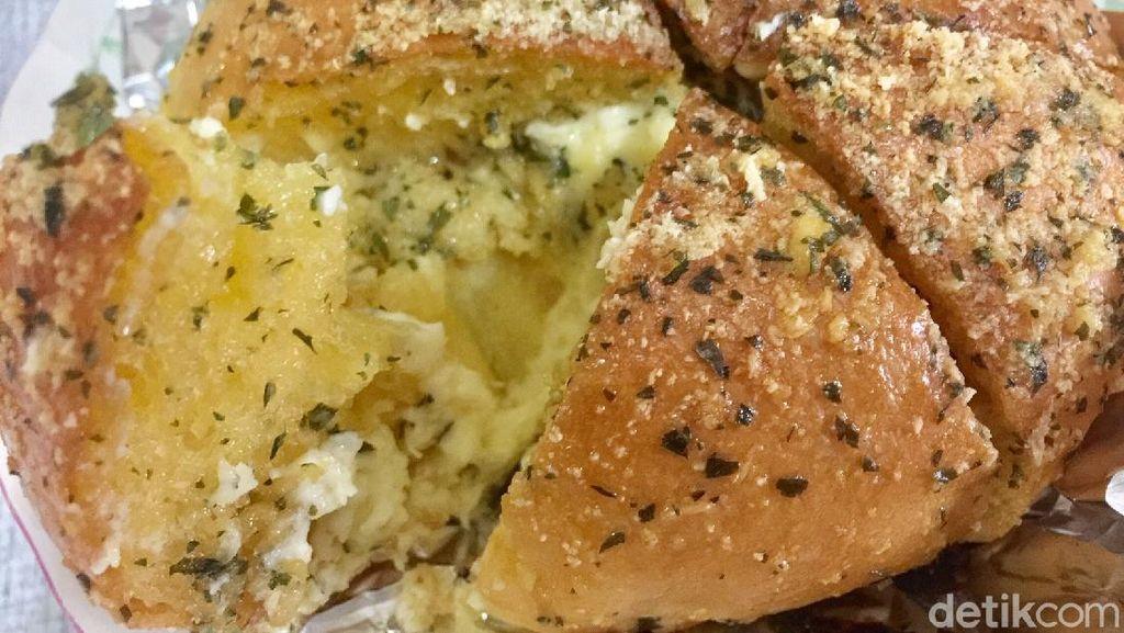 Resep Korean Garlic Cheese Bread ala Yongki Gunawan