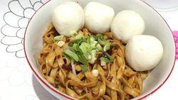 Mami Lana Kitchen: Mee Pok Nikmat Plus Bakso Ikan yang Kenyal Gurih