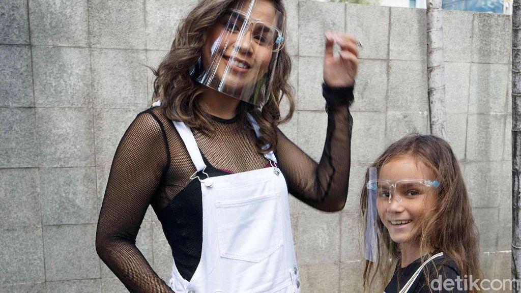Sembuh dari COVID-19, Melaney Ricardo Khawatir dengan Anak