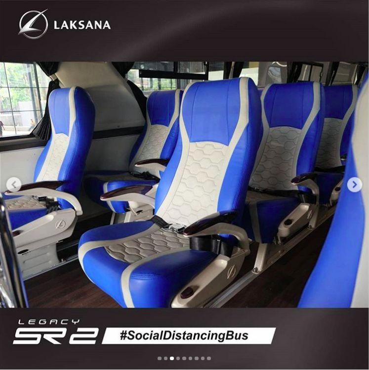 Physical Distancing di dalam bus