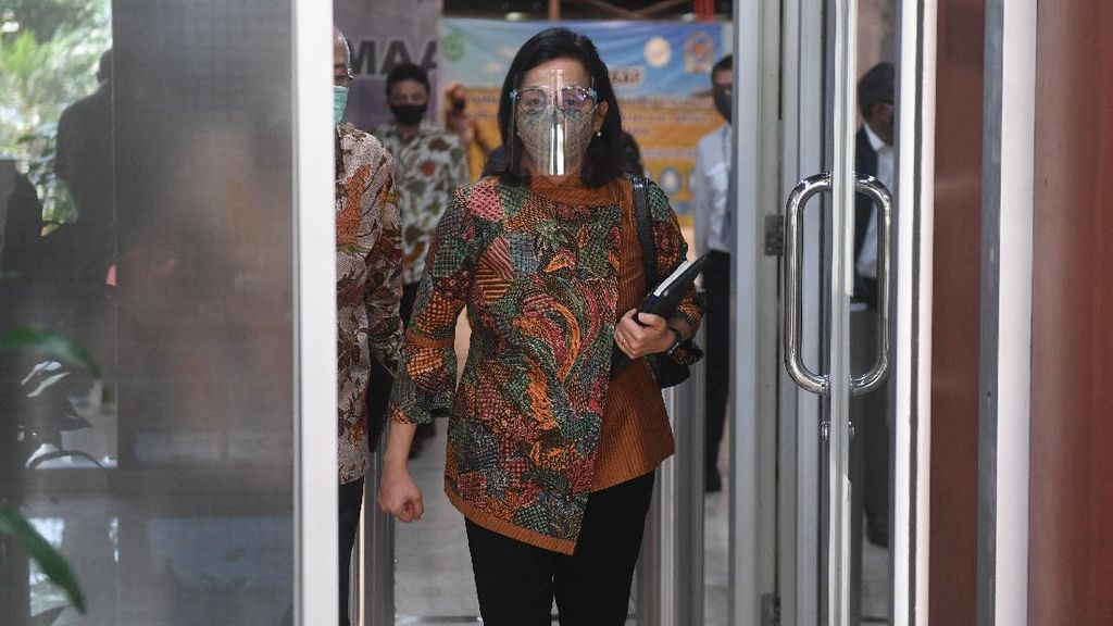 Potret Sri Mulyani Pakai Face Shield