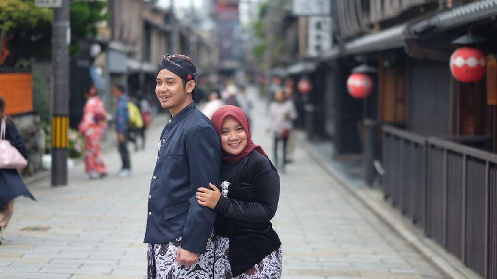 Cerita di Balik Foto Prewedding di Jepang Pakai Baju Adat Jawa yang Viral