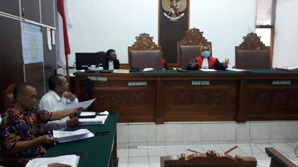 Polisi Absen, PN Jaksel Tunda Sidang Praperadilan Ruslan Buton dan Keluarganya