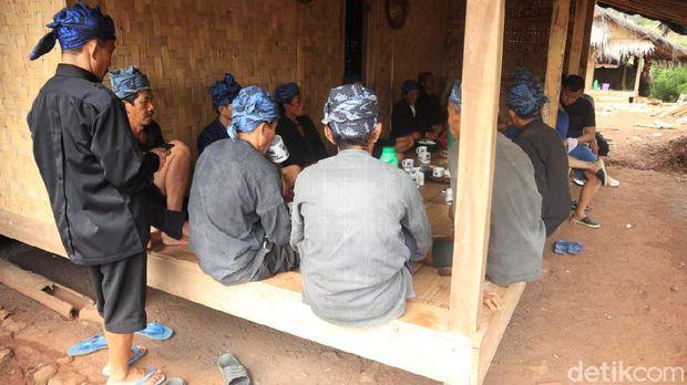 Masyarakat Adat Baduy mengajukan permohonan kepada Presiden Joko Widodo (Jokowi) agar menghapuskan kawasan adat Baduy sebagai destinasi wisata.