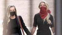 Jadi Sorotan, Amber Heard Bawa Pacar Wanitanya ke Persidangan Johnny Depp