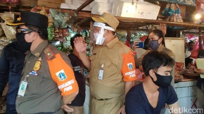 ASN awasi penerapan protokol kesehatan di Pasar Minggu Jaksel